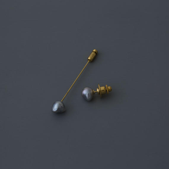 【pin brooch】1 point akoya light gray baroque pearl