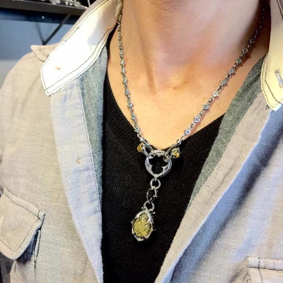 [Artemis Classic-pendant]トレサリーグリーンアンバーペンダント