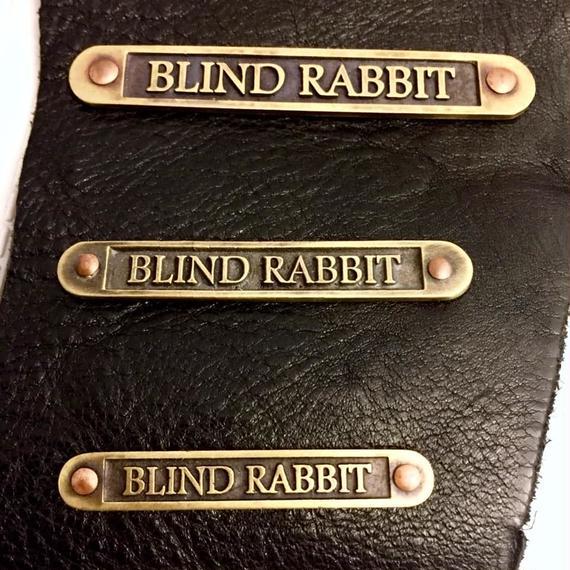 【10/28までの期間限定販売】Nameplate PIN Sサイズ[BLINDRABBIT]