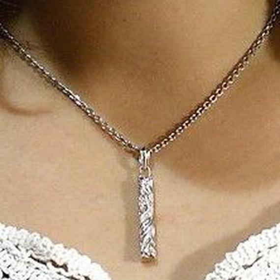[Artemis Classic-pendant]フェニックスハートピラーチャーム(完売しました)