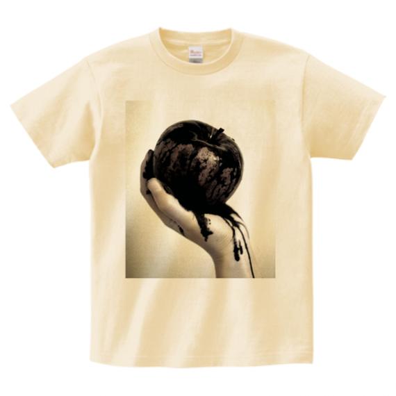 BLACK APPLE Tシャツ