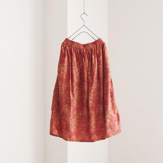 i c h i 180424 Cotton / Silk Paisley Skirt / Red
