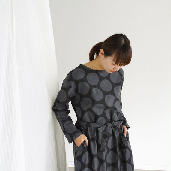 i c h i 180606 Cotton Dot Dress / Charcoal
