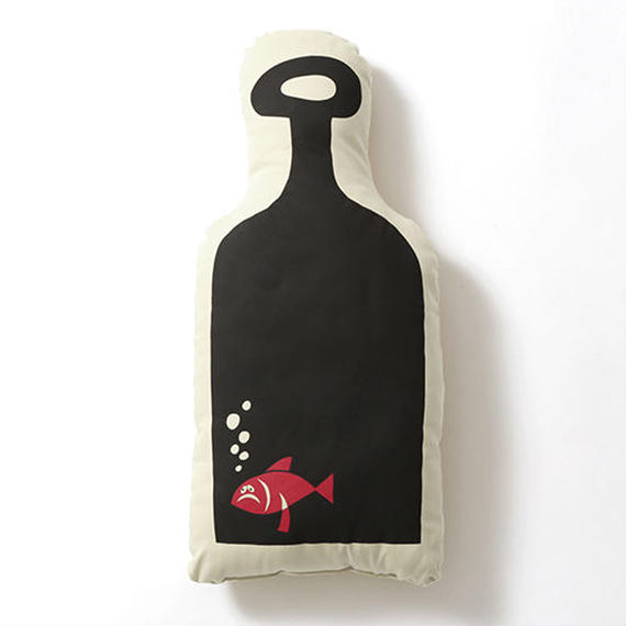 """Bottle Fish Cushion"" (Hanai Yusuke)"