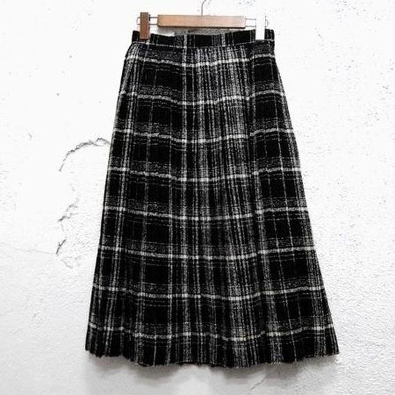 Pleats Check Skirt
