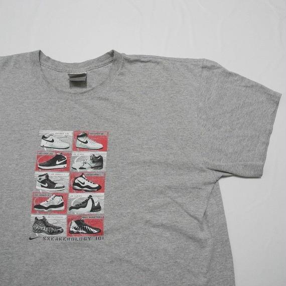 NIKE sneakerology 101 T-shirt  XXL