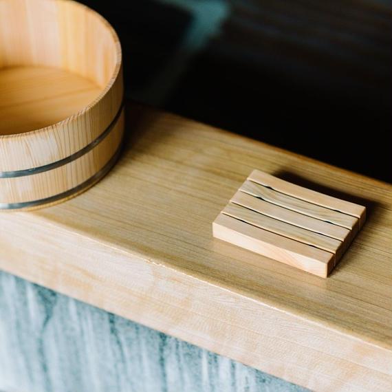 木曽の檜でつくったソープディッシュ