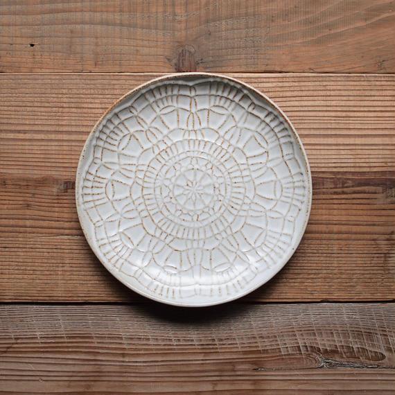 Doily   plate L