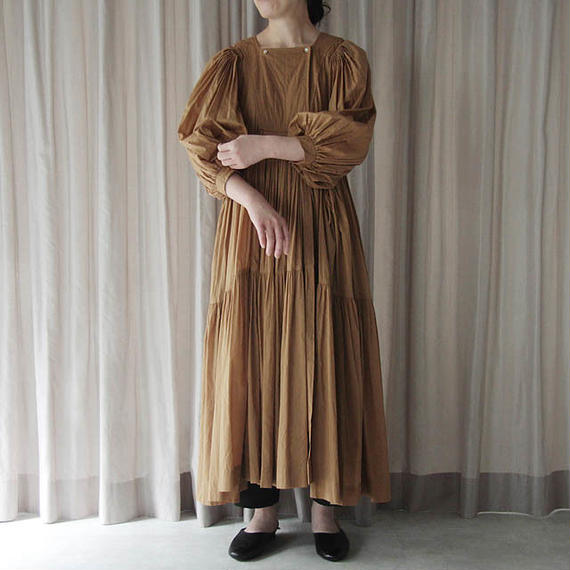 TOWAVASE Artisan dress (camel)