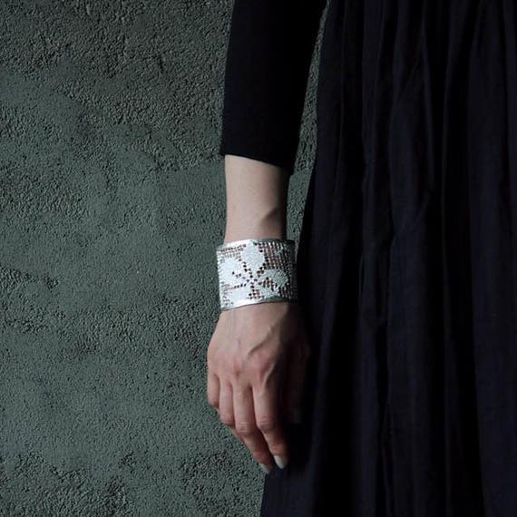 MAISON RUBUS. recollection lace bangle