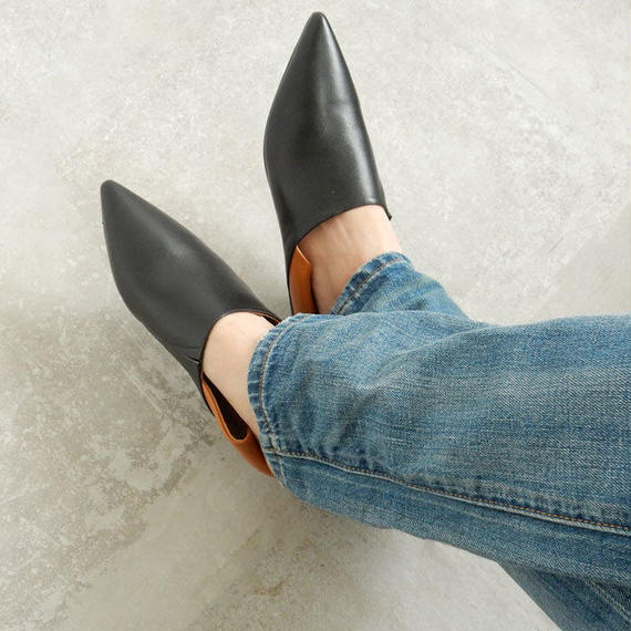 shoes-02004  本革 ポインテッドトゥ バイカラーフラットパンプス ぺたんこ靴 バブーシュ フラットシューズ