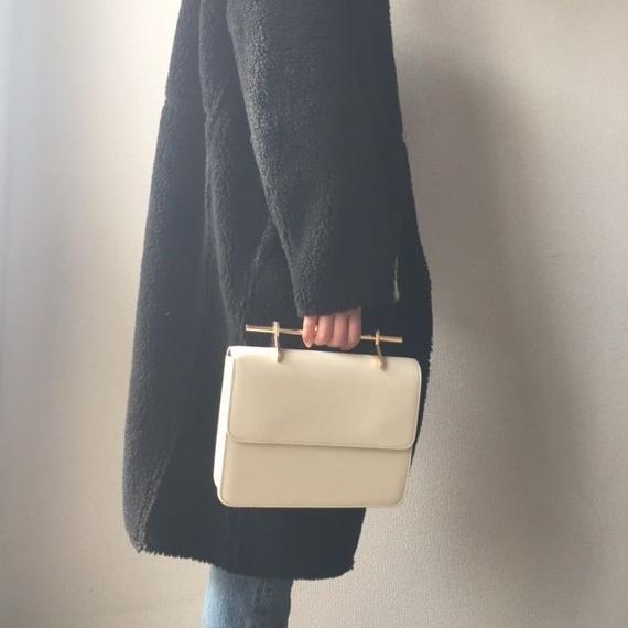 bag2-02106 ゴールドバーハンドル ハンドバッグ ショルダーバッグ ブラック クリームホワイト