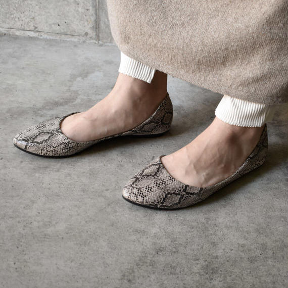 shoes-02047 パイソン柄 フラットパンプス