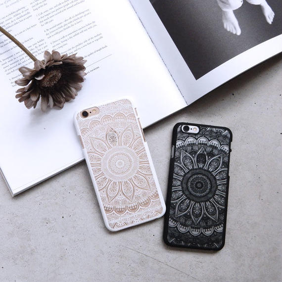 iphone-02020 送料無料! エスニック柄 ブラック ホワイト iPhoneケース