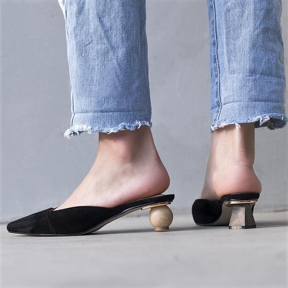 shoes-02025  フェイクスエード 変形ウッドヒール ポインテッドトゥ ミュール パンプス