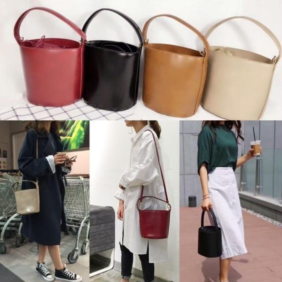 bag2-02061 タイプ2 フェイクレザーバケツバッグ ブラック ベージュ レッド ブラウン 黒 赤 茶色