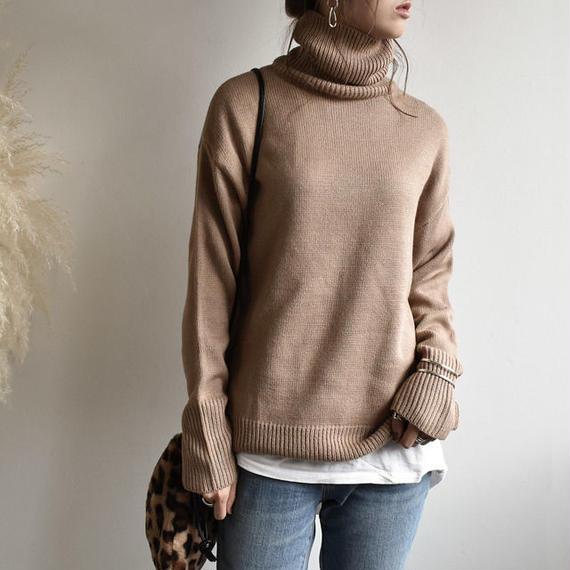 12月下旬発送分 knit-02006 サイドスリット タートルネックニットトップス オフホワイト モカ
