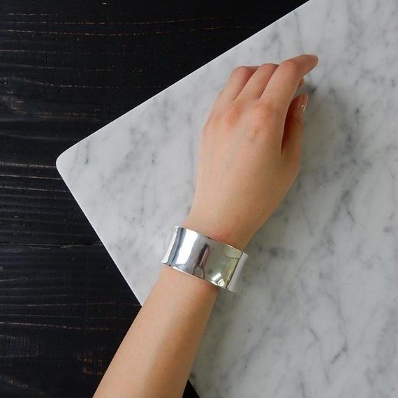 brace-02118 シルバー925コーティング 2.7cm幅ワイドプレートバングルブレスレット サイズ調整可能
