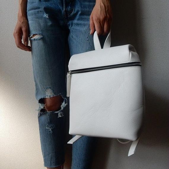bag2-02022 ジップデザイン シンプルレザーリュックサック ホワイト ブラック バックパック