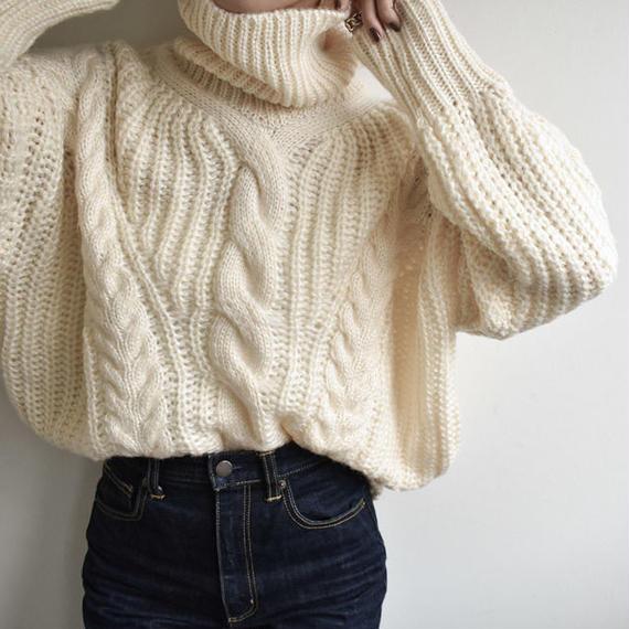 12月下旬発送分 knit-02005 ケーブル柄 ローゲージ タートルネックニット クリーム