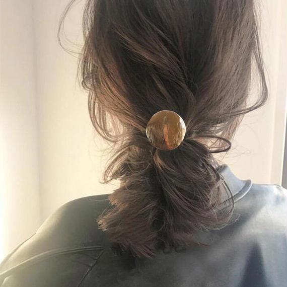 hair2-02024 送料無料! エンボス加工メタルサークル ヘアゴム ゴールド シルバー