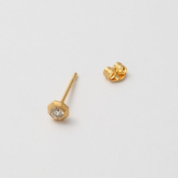K18 diamond single pierce