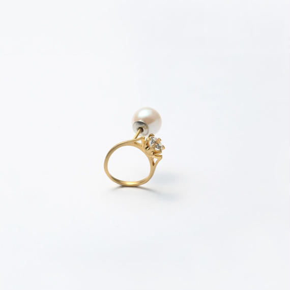ring motif pierce (cubic zirconia / gold)