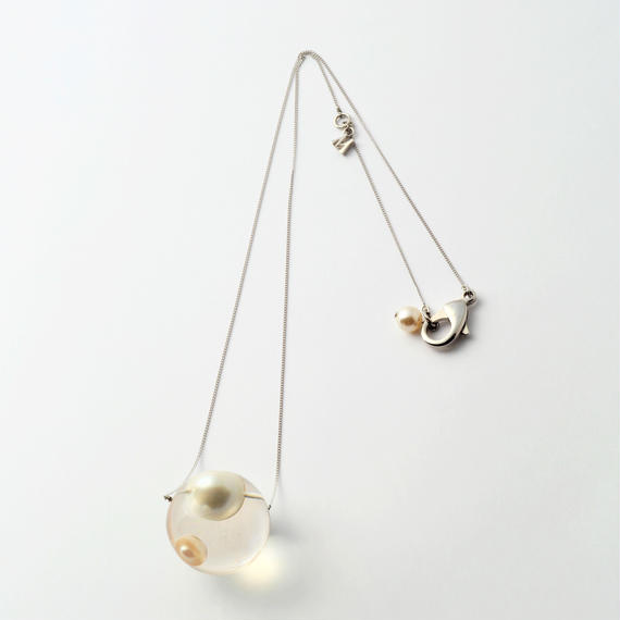 inclusion necklace (2 pearls)