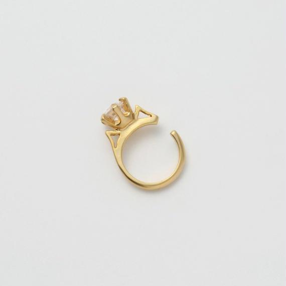 ring motif ear cuff (gold / cubic zirconia)