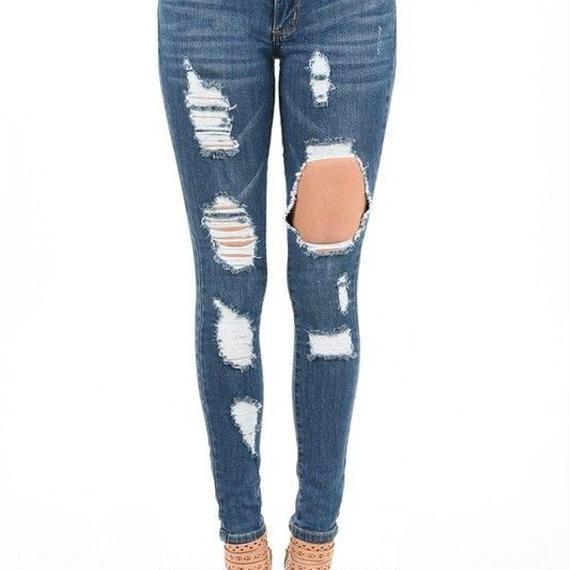 8266 Destroyed Skinny Jeans