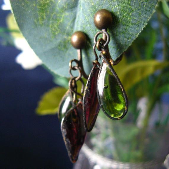 手作りガラスのイヤリング(パープル・モスグリーン)