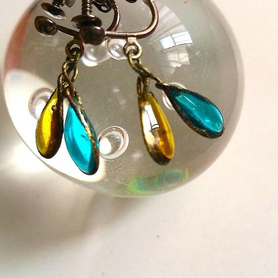 手作りガラスのイヤリング