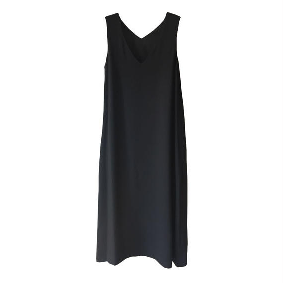 Graphpaper Satin V Neck Sleeveless Dress
