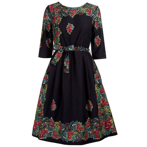 beatrice/hungarian flowers/black