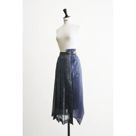 琥珀プリーツスカート
