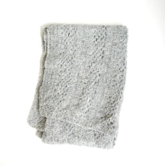【新商品】アルパカ手編みの大判ストール ブークレ ライトグレー