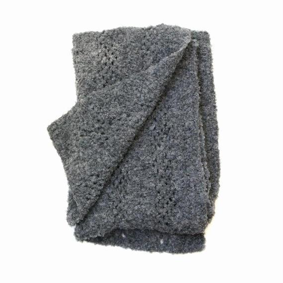 【新商品】アルパカ手編みの大判ストール ブークレ ダークグレー_SH002-DG