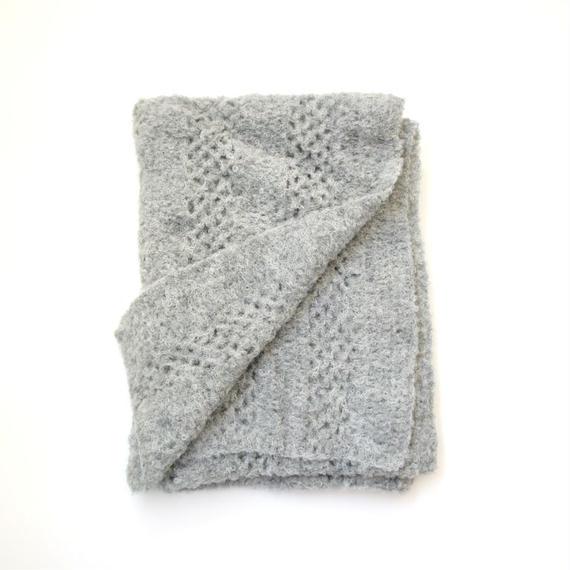 【新商品】アルパカ手編みの大判ストール ブークレ ライトグレー_SH002-LG