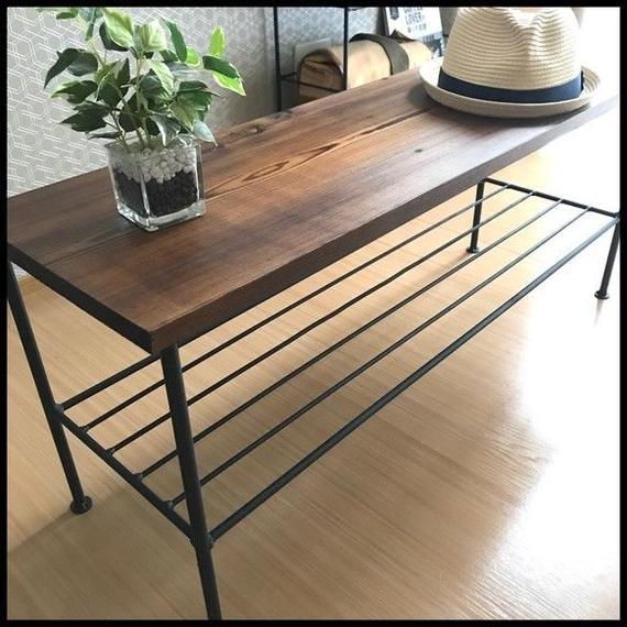 無垢一枚板とアイアンのテーブル