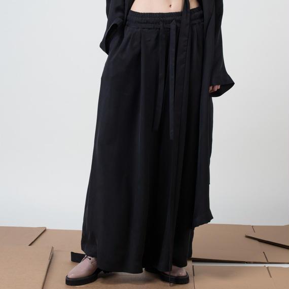 KETA GUTMANE ケタ グットマン BLACK cupro trousers with rubber waist ブラックキュプラ ワイドパンツ ウエストゴム