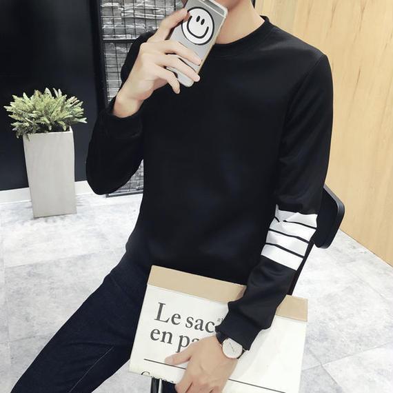 フォーラインプリント スウェットシャツ ブラック