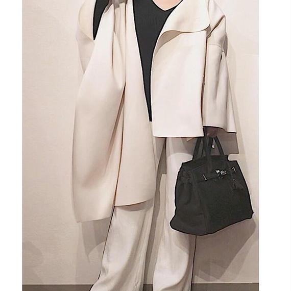 オフホワイト 変形コート