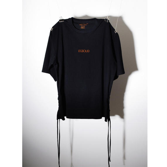 EGSOLID SIDE LACE UP TEE IN Black