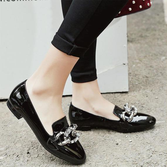 LOVEXSS パテント レザー フラッツ 春 ファッション ブラック グレー チェーン 女性 靴 革 カジュアル クリスタル チェーン フラッツ レディース シューズ 靴 パンプス ローファー 黒