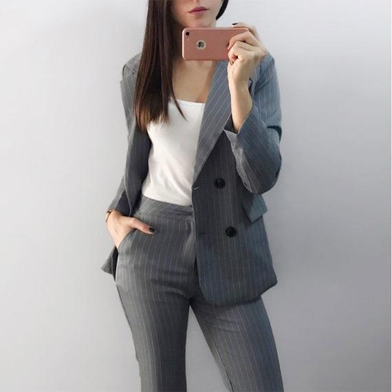仕事 ファッション パンツ 2ピース スーツ ダブル ブレスト ストライプ ブレザー ジャケット ストレート パンツ オフィス レディ スーツ 女性 服 レディース パンツスーツ セット  2点セット