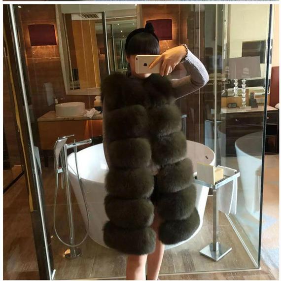 Clobee 女性 毛皮 コート 女性 冬 ノースリーブ フェイク フォックス ファー レザー 厚い コート アウター ベスト フェイク フォック スファー 贅沢使用 ボリューム たっぷり
