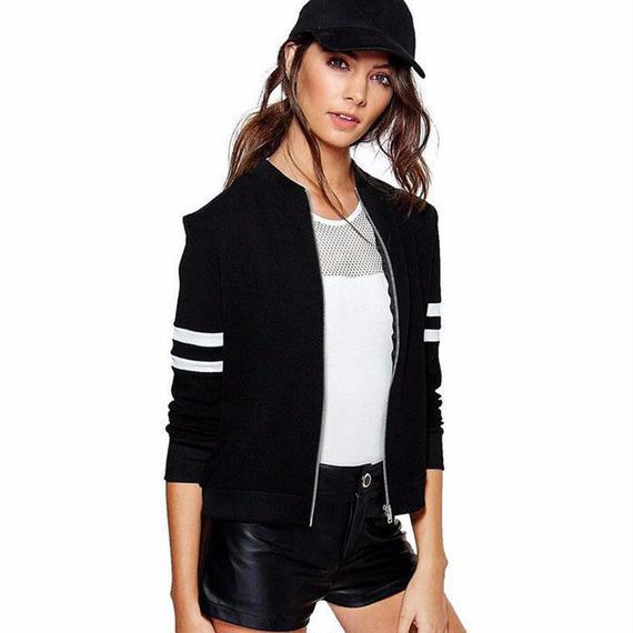 女性 長袖 ボンバー ジャケット ファッション 春 ロング スリーブ スリム 黒 白 ジャケット 女性 ジャケット レディース 無地 ジッパー 袖 ライン 秋冬 新しい 女性 ジャケット 黒 白