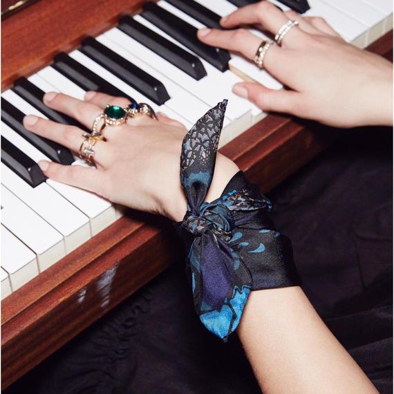 GIPSY-Blue Multi ミニサイズ シルクスカーフ