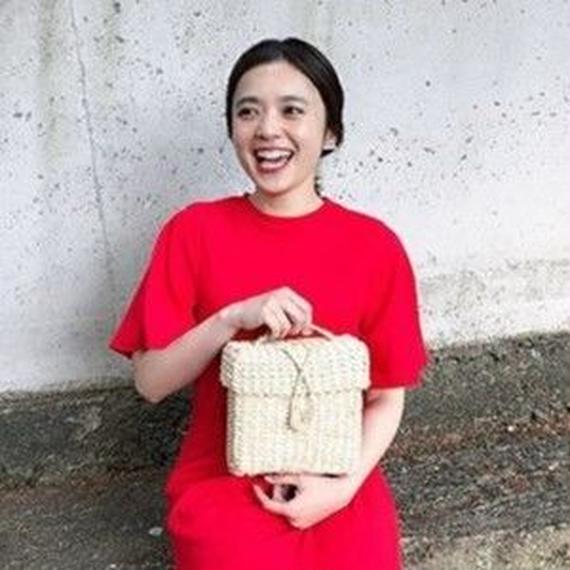Box straw bag