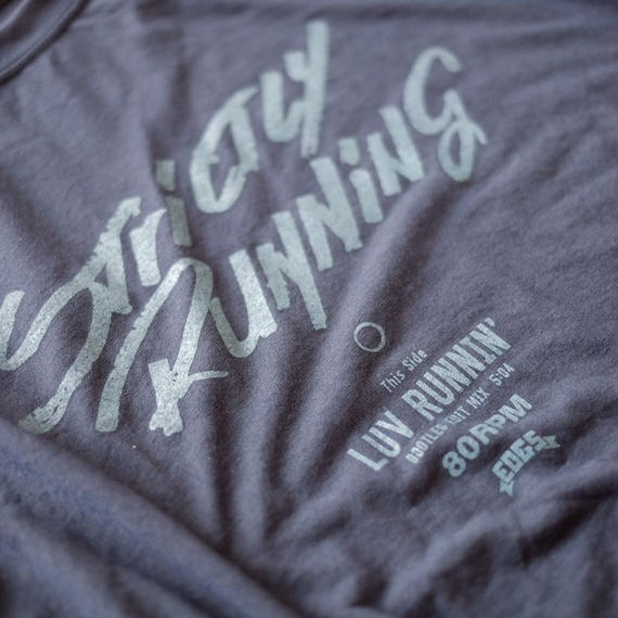 LUV RUNNIN' T-shirts 【Navy×Blue】